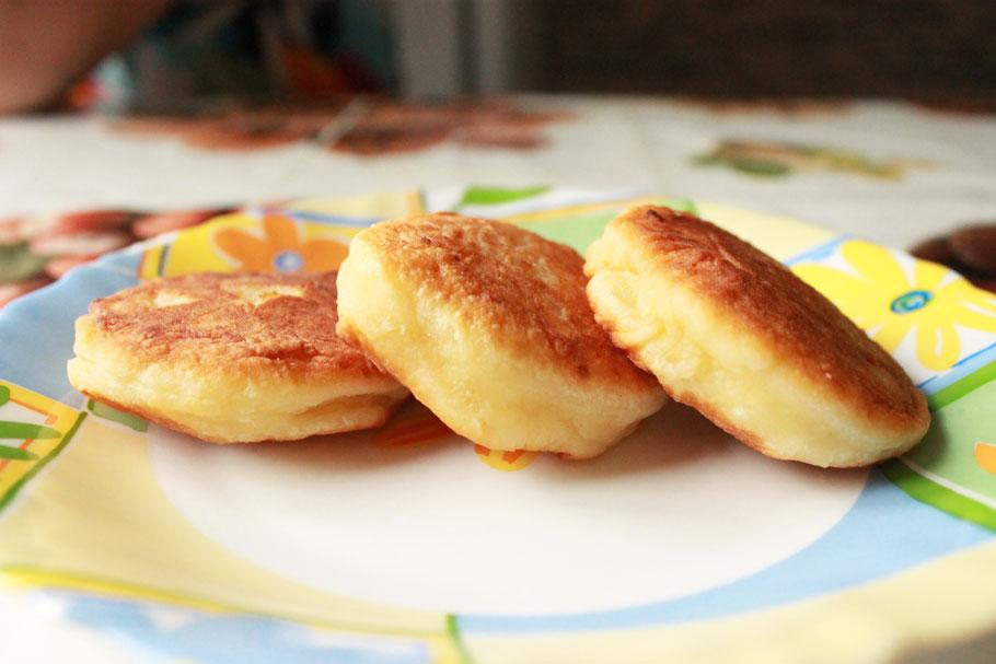 как готовить сырники из творога простой рецепт